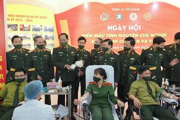 Ministerio de Defensa de Vietnam convoca movimiento de donacion de sangre hinh anh 1