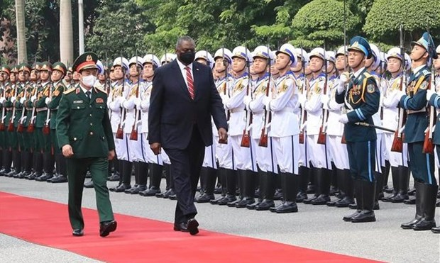 Secretario de Defensa de Estados Unidos realiza visita a Vietnam hinh anh 1