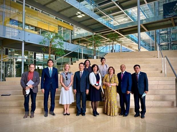 Suiza comparte con Vietnam experiencias en investigaciones cientificas hinh anh 1
