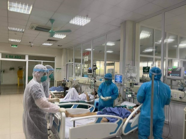 Agencia japonesa entrega dispositivos medicos para tratamiento del COVID-19 a Ciudad Ho Chi Minh hinh anh 1