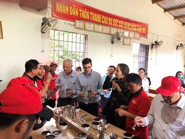 Destaca embajador suizo lazos de amistad y cooperacion con Vietnam hinh anh 3
