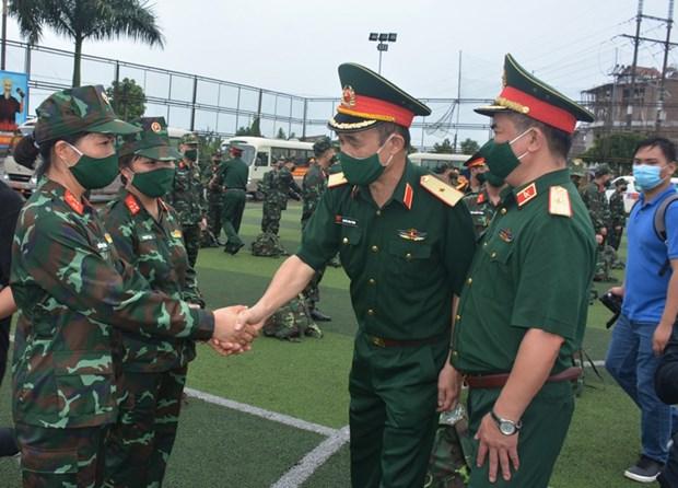 Despliegan fuerza medica para respaldar el combate contra COVID-19 en el Sur hinh anh 1