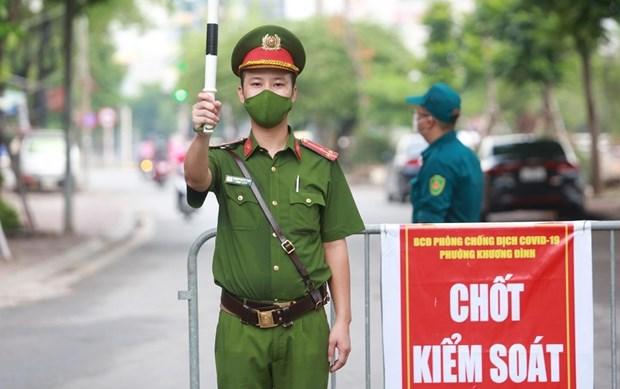 Hanoi restringe salida de las personas de la ciudad durante distanciamiento social hinh anh 1