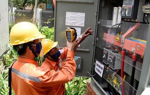 Reducen tarifas de servicios publicos esenciales en Vietnam por el COVID-19 hinh anh 1