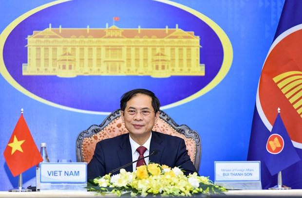 Participa Vietnam en 54ª Reunion de Cancilleres de la ASEAN hinh anh 1