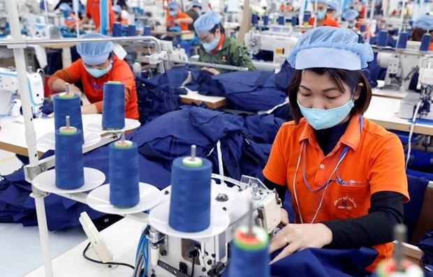 En alza exportaciones textiles de Vietnam en primer semestre hinh anh 1