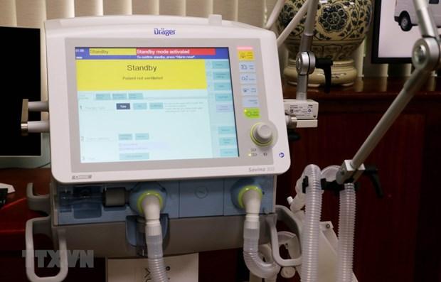 Vietnam invierte mas en adquirir equipos medicos para el control del COVID-19 hinh anh 1