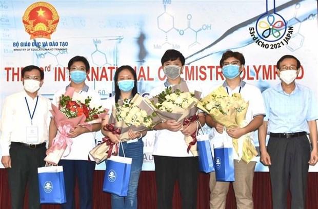 Vietnam gana tres medallas de oro en Olimpiada Internacional de Quimica hinh anh 2