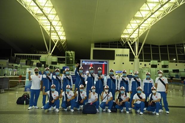 Delegacion vietnamita parte rumbo a Rusia para Juegos Militares hinh anh 1