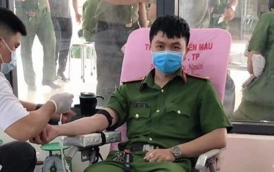 Solicitan condecorar a titulo postumo a policia vietnamita caido en cumplimiento del deber hinh anh 1