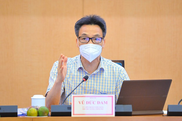 Inspeccionan labores preventivas contra el COVID-19 en Hanoi hinh anh 1
