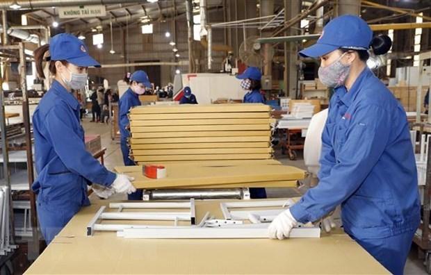 Tambaleante produccion industrial de Vietnam debido a la pandemia hinh anh 1