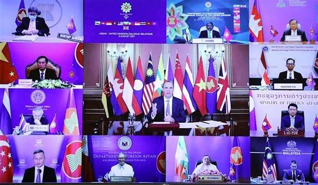 ASEAN otorga el estatus de socio de dialogo al Reino Unido hinh anh 1
