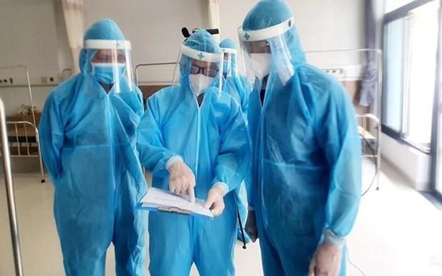 Recortan tiempo de cuarentena en Vietnam para personas vacunadas contra el COVID-19 hinh anh 1