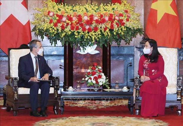 Suiza ofrece ayuda a Vietnam en lucha contra COVID-19 hinh anh 1