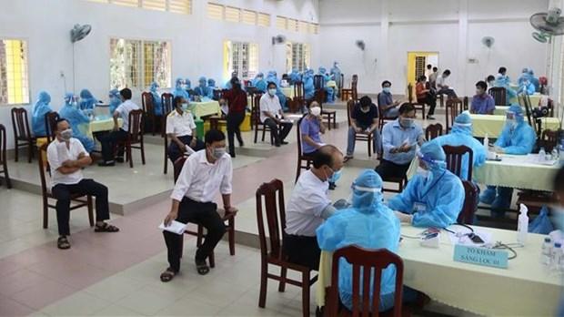 Priorizan distribucion de vacuna contra el COVID-19 para localidades survietnamitas hinh anh 1