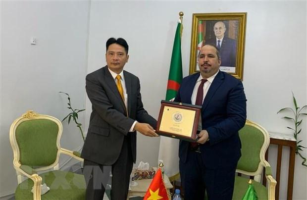 Fortalecen cooperacion entre Partido Comunista de Vietnam y Frente de Liberacion Nacional de Argelia hinh anh 2