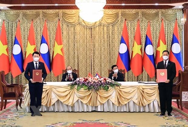 Localidades vietnamita y laosiana buscan profundizar cooperacion hinh anh 1