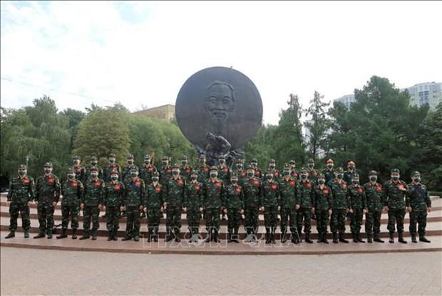 Soldados vietnamitas homenajean a Ho Chi Minh en visperas de Juegos Militares hinh anh 2
