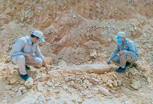 Desactivan una gran bomba en zona residencial en provincia vietnamita de Quang Tri hinh anh 1
