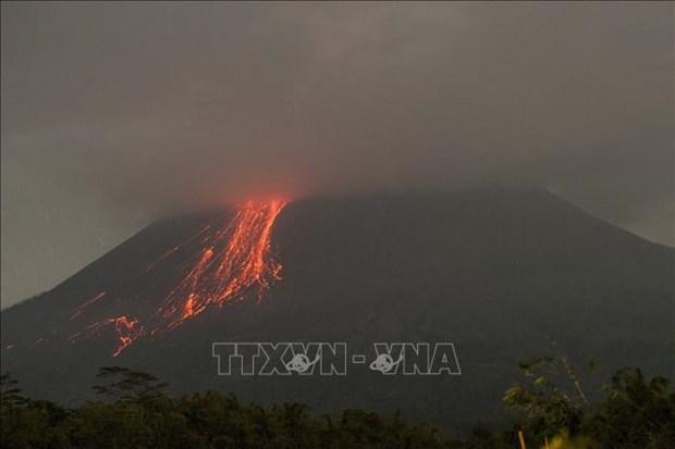 Vuelve a entrar en erupcion el volcan mas activo de Indonesia hinh anh 1