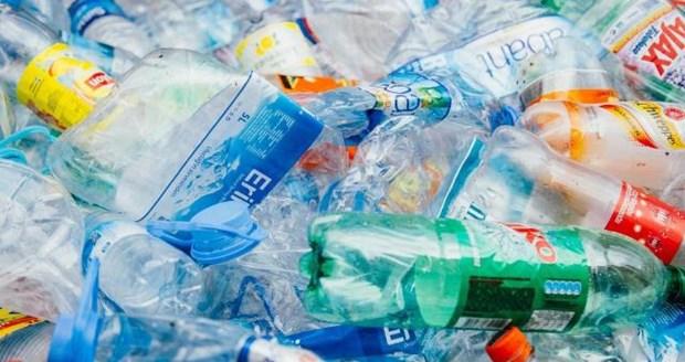 Aumentan gestion de residuos plasticos en Vietnam hinh anh 1
