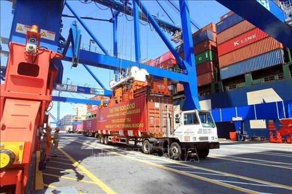 Aumentan mercancias en contenedores a traves de los puertos maritimos de Vietnam hinh anh 1