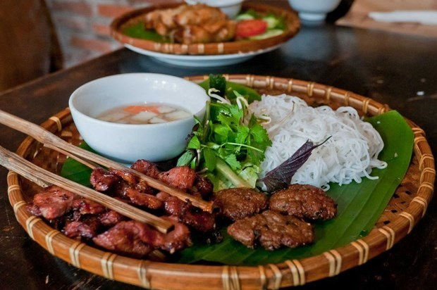 Hanoi atrae a los visitantes gracias a su riqueza gastronomica hinh anh 3