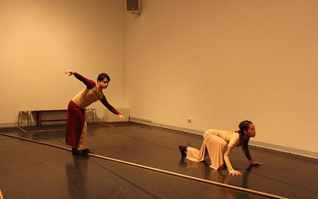 Presentaran obra de danza contemporanea en Hanoi hinh anh 1