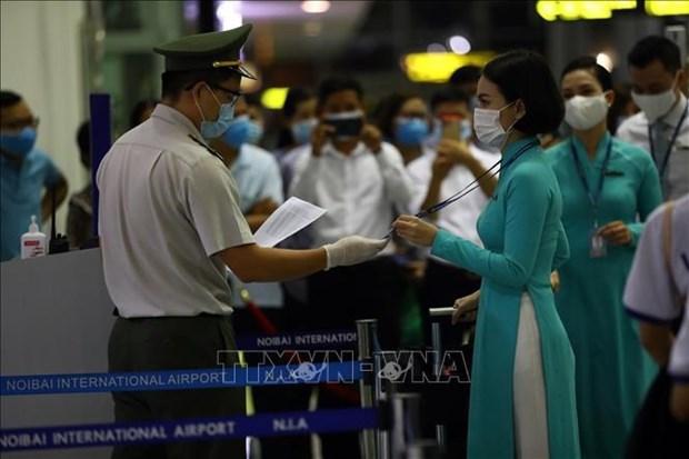 COVID-19: Vietnam solo permite programacion de vuelos para tripulantes vacunados hinh anh 1