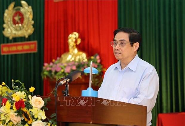 Primer ministro de Vietnam destaca papel de Policia Popular en lucha contra el coronavirus hinh anh 2