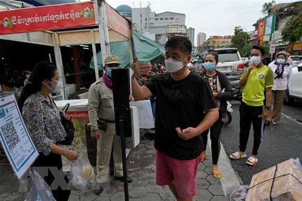 COVID-19: Camboya levanta restricciones de entrada y salida a expertos vietnamitas hinh anh 1
