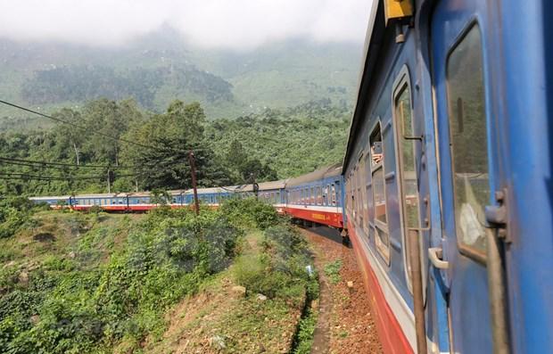 Suspenderan servicios ferroviarios en ruta Norte-Sur de Vietnam por el COVID-19 hinh anh 1