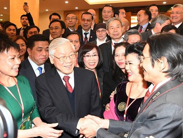 Vietnam por mejorar eficiencia de politica para vietnamitas residentes en el exterior hinh anh 1