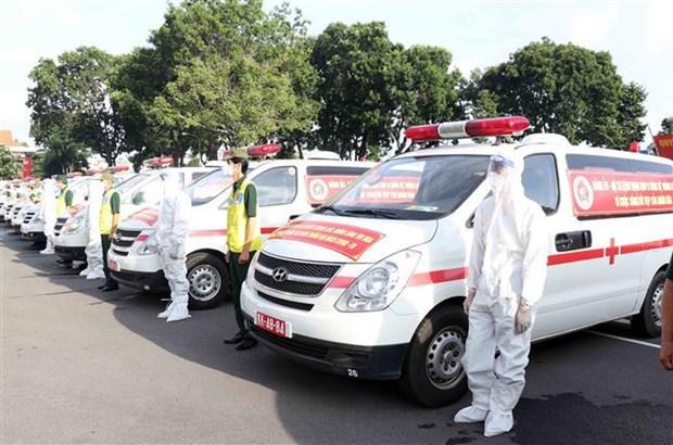 Entregan 30 ambulancias para apoyar a Ciudad Ho Chi Minh en medio del COVID-19 hinh anh 1