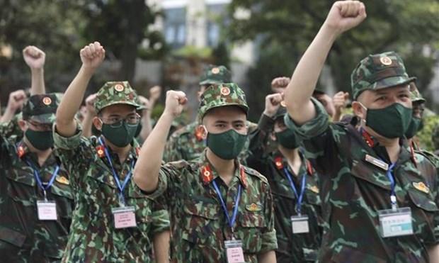 Movilizan a mas personal medico al Sur de Vietnam para combatir COVID-19 hinh anh 1