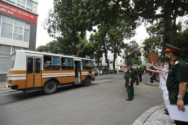 Movilizan a mas personal medico al Sur de Vietnam para combatir COVID-19 hinh anh 2
