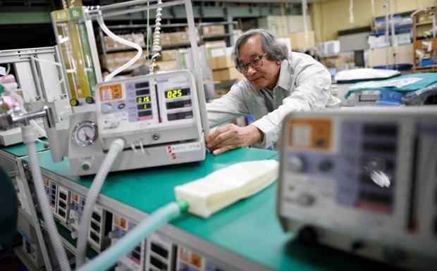 Empresario vietnamita inventa mascarilla antivirus supereficaz hinh anh 1