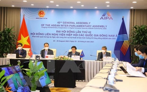 AIPA 42: Vietnam intensifica la aplicacion digital en todas las areas hinh anh 1