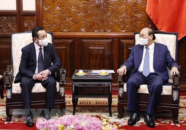 Presidente de Vietnam recibe al saliente embajador de Mongolia hinh anh 1