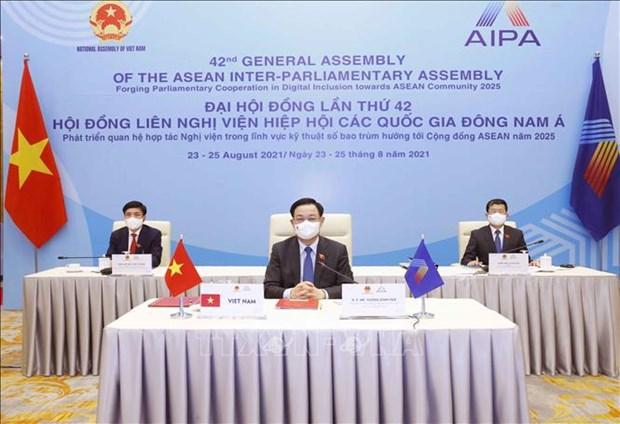 AIPA-42 llama a construir una comunidad prospera en la ASEAN, afirma funcionario vietnamita hinh anh 2