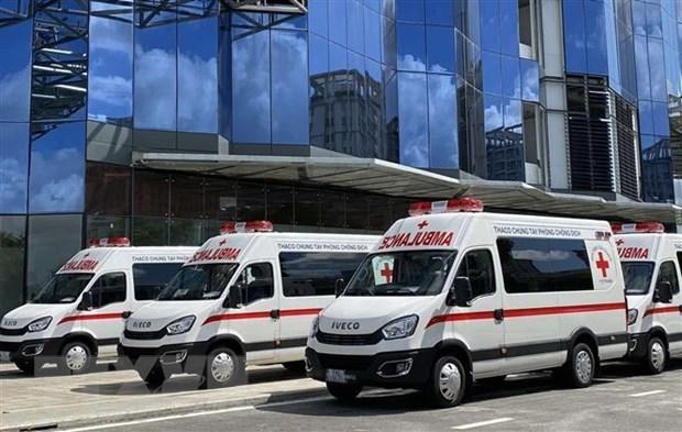 THACO donara camiones moviles de vacunacion a Ciudad Ho Chi Minh hinh anh 1