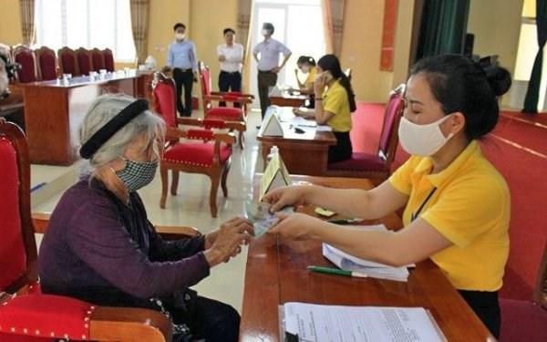 Millones de ciudadanos de Hanoi se benefician de paquete de seguridad social hinh anh 1