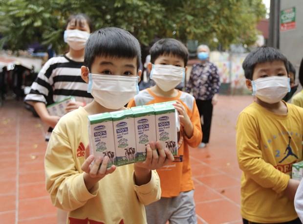 Programa ayuda a los ninos de Hanoi a regresar a la escuela hinh anh 1
