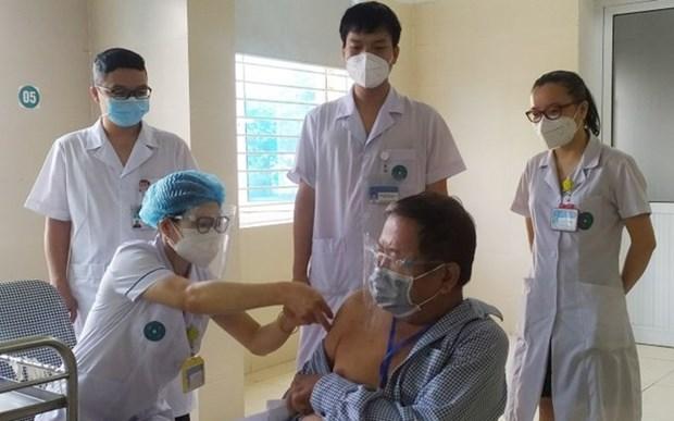 Vacunan contra COVID-19 al 23 por ciento de vietnamitas mayores de 18 anos hinh anh 1