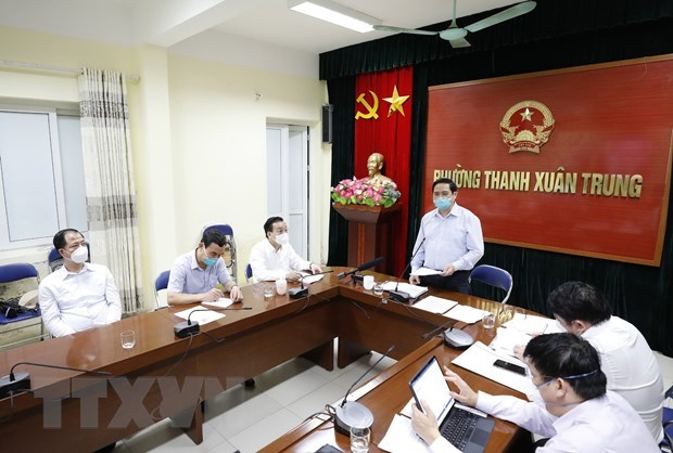 Primer ministro de Vietnam supervisa labores antiepidemicas en Hanoi hinh anh 2