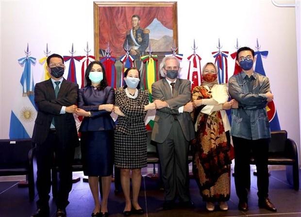 Celebran aniversario 54 de fundacion de ASEAN en Argentina hinh anh 1