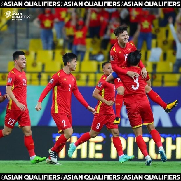 Vietnam juega con un jugador menos y pierde ante Arabia Saudita hinh anh 1