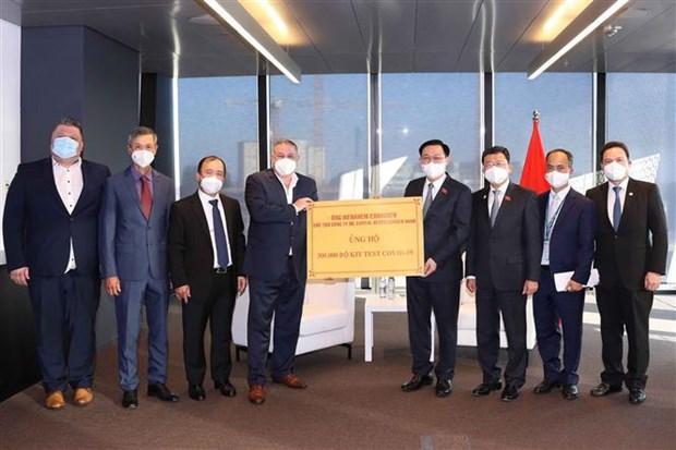 Instan a empresas austriacas a apoyar lucha de Vietnam contra el COVID-19 hinh anh 2