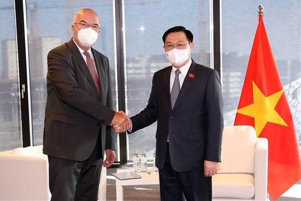 Instan a empresas austriacas a apoyar lucha de Vietnam contra el COVID-19 hinh anh 1